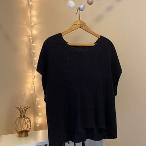 Lightweight Deep Gray Knit Cropped Short Sleeve